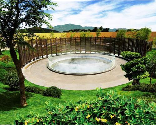日月谷温泉