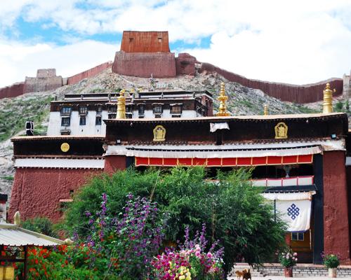 パンコル・チョーデ(白居寺)