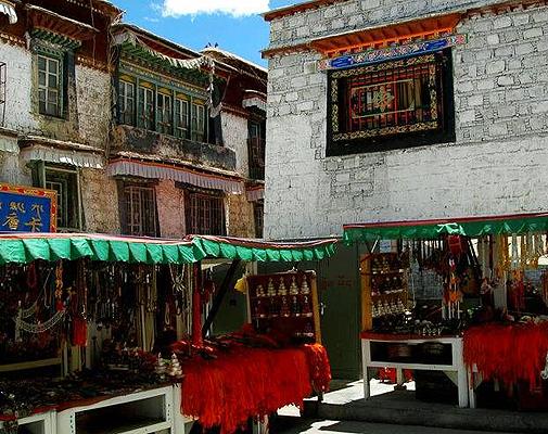 成都・ラサ・ギャンツェ・シガツェ・樟木7泊8日間 チベットハイライト+エヴェレスト遠望+ネーパルへ