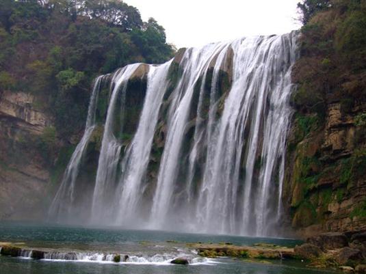 広州発貴陽・凱里・黄果樹瀑布観光4泊5日間
