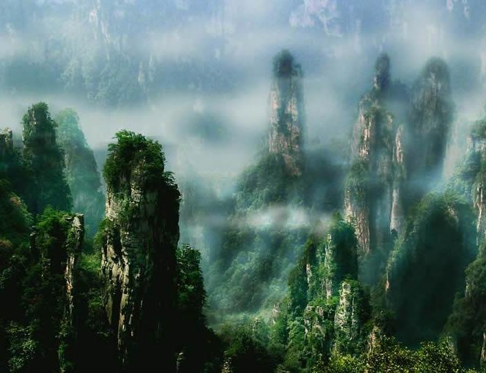 広州発武陵源、鳳凰古城、貴州黄果樹大瀑布6日間の旅